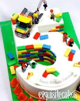 LEGO 5 SHAPED BIRTHDAY CAKE CHILDRENS