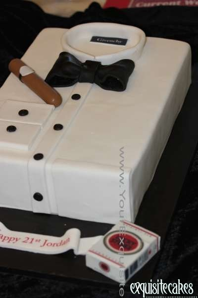 Amazing 18Th 21St Birthday Cakes Exquisite Cakes Sydney Funny Birthday Cards Online Alyptdamsfinfo