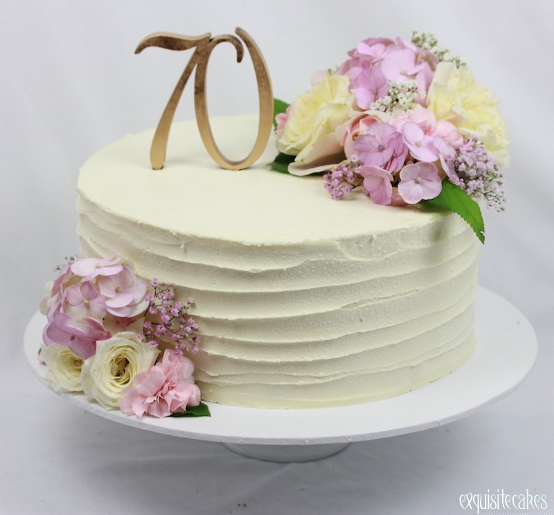 Homemade Wedding Cake Decorating Ideas